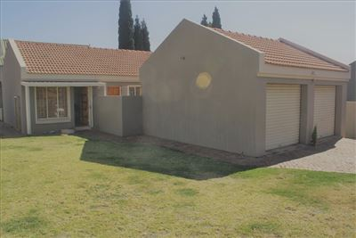 Property and Houses for sale in Moreletapark, House, 3 Bedrooms - ZAR 1,340,000