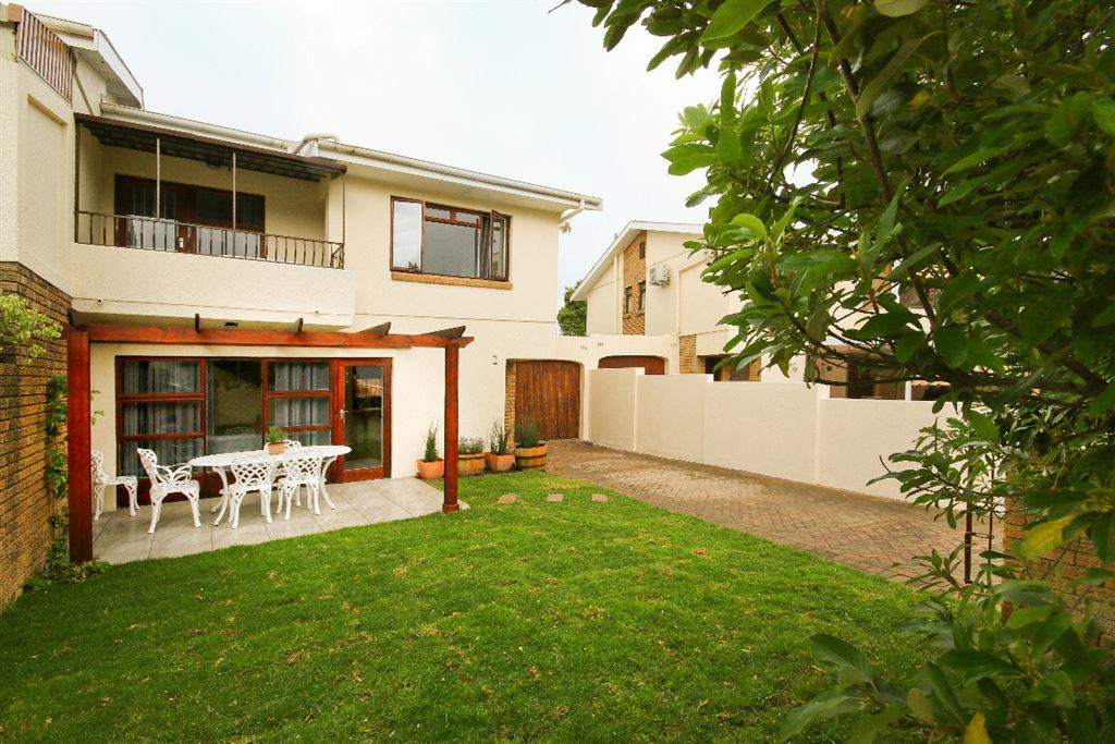 Adorable and afordable 3-bedroom townhouse