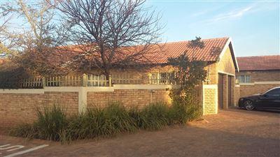 Centurion, Heuwelsig Estate Property  | Houses For Sale Heuwelsig Estate, Heuwelsig Estate, Townhouse 3 bedrooms property for sale Price:960,000