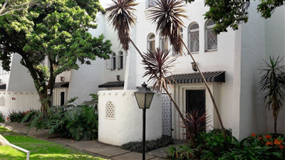 Property and Houses for sale in Sunnyside, House, 3 Bedrooms - ZAR 950,000