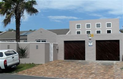 House for sale in Edgemead
