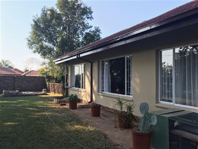 Sinoville property for sale. Ref No: 13529944. Picture no 6