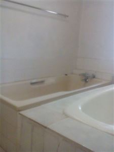 Hartbeespoort property to rent. Ref No: 13530008. Picture no 11