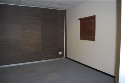 Rustenburg And Ext property for sale. Ref No: 13530028. Picture no 9
