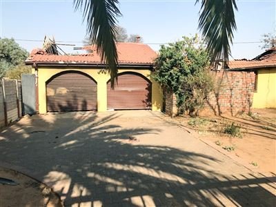 Bloemfontein, Fauna Property  | Houses For Sale Fauna, Fauna, House 3 bedrooms property for sale Price:590,000