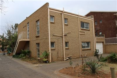Bloemfontein, Willows Property  | Houses For Sale Willows, Willows, Townhouse 4 bedrooms property for sale Price:850,000