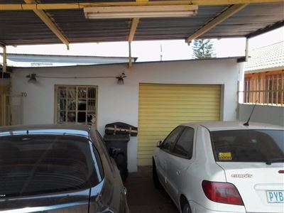 Property and Houses for sale in Lotus Gardens, House, 3 Bedrooms - ZAR 735,000