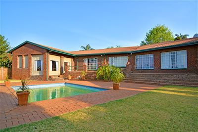 Roodepoort, Wilro Park Property  | Houses For Sale Wilro Park, Wilro Park, House 4 bedrooms property for sale Price:1,599,000