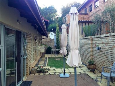 Townhouse for sale in Kiepersol