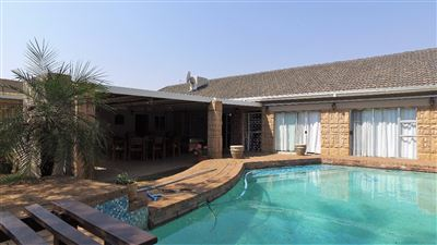 Bloemfontein, Fichardt Park Property  | Houses For Sale Fichardt Park, Fichardt Park, House 8 bedrooms property for sale Price:2,570,000