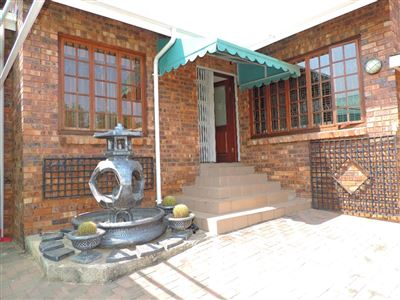House for sale in Garsfontein & Ext