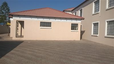 Rustenburg, Geelhoutpark & Ext Property    Houses To Rent Geelhoutpark & Ext, Geelhoutpark & Ext, House 1 bedrooms property to rent Price:,  3,00*