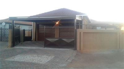 Pretoria, Chantelle & Ext Property  | Houses For Sale Chantelle & Ext, Chantelle & Ext, House 3 bedrooms property for sale Price:910,000
