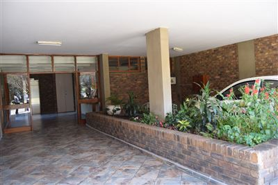 Property and Houses for sale in Kilner Park, House, 3 Bedrooms - ZAR 695,000