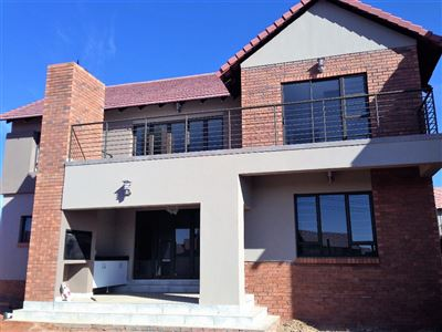 Bloemfontein, Wild Olive Estate Property  | Houses For Sale Wild Olive Estate, Wild Olive Estate, Townhouse 4 bedrooms property for sale Price:2,675,000