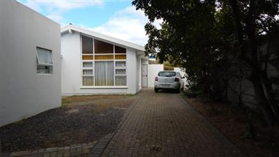 Kraaifontein, Windsor Park Property    Houses For Sale Windsor Park, Windsor Park, House 5 bedrooms property for sale Price:1,550,000