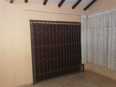 Glenanda North property to rent. Ref No: 13533208. Picture no 20