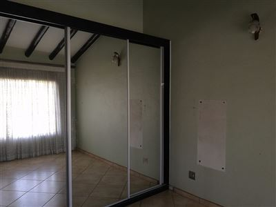 Glenanda North property to rent. Ref No: 13533208. Picture no 16