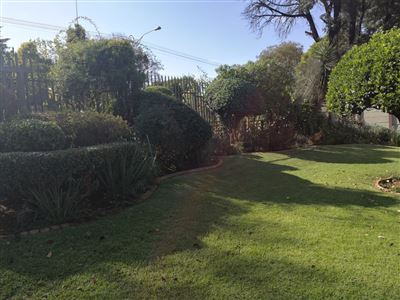 Glenanda North property to rent. Ref No: 13533208. Picture no 22