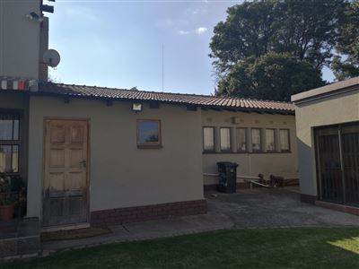 Glenanda North property to rent. Ref No: 13533208. Picture no 24