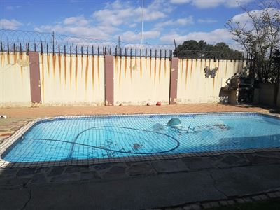 Glenanda North property to rent. Ref No: 13533208. Picture no 25