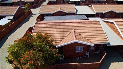 Krugersdorp, West Village Property  | Houses For Sale West Village, West Village, Townhouse 2 bedrooms property for sale Price:395,000