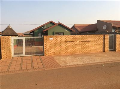 Soweto, Protea Glen Property    Houses For Sale Protea Glen, Protea Glen, House 3 bedrooms property for sale Price:590,000