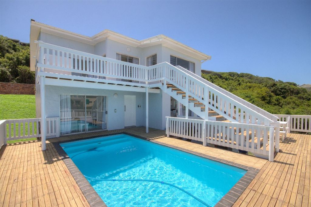 Stunning Holiday Home on the Beachfront in Port Alfred