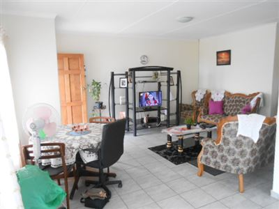 Kidds Beach property for sale. Ref No: 13535529. Picture no 7