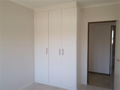 Beyerspark property to rent. Ref No: 13535632. Picture no 4