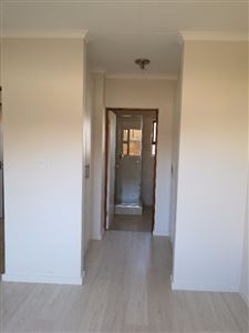 Beyerspark property to rent. Ref No: 13535632. Picture no 6