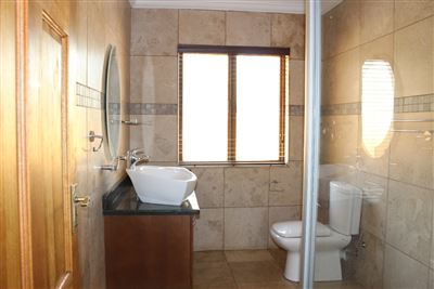 Hartbeespoort property to rent. Ref No: 13535931. Picture no 7