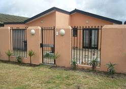 Kraaifontein, Peerless Park East Property  | Houses For Sale Peerless Park East, Peerless Park East, House 10 bedrooms property for sale Price:1,299,000