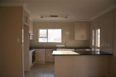 Eikenhof property to rent. Ref No: 13535950. Picture no 2