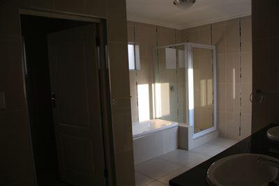 Eikenhof property to rent. Ref No: 13535950. Picture no 23