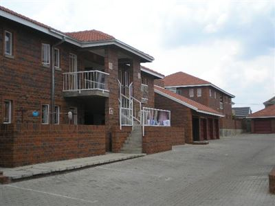 Potchefstroom, Van Der Hoff Park Property  | Houses To Rent Van Der Hoff Park, Van Der Hoff Park, Townhouse 2 bedrooms property to rent Price:,  5,00*