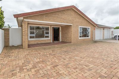 Durbanville, The Crest Property    Houses For Sale The Crest, The Crest, House 4 bedrooms property for sale Price:2,690,000