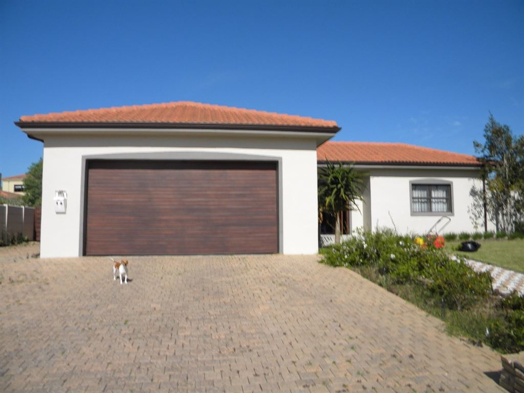 3 Bedroom House For Sale D`urbanvale, Durbanville