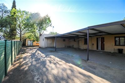 Bloemfontein, Universitas Property  | Houses For Sale Universitas, Universitas, House 9 bedrooms property for sale Price:1,270,000