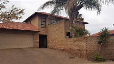Pretoria, Equestria Property  | Houses For Sale Equestria, Equestria, Townhouse 3 bedrooms property for sale Price:2,200,000