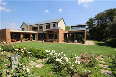 Property and Houses for sale in Waterkloof Ridge, House, 2 Bedrooms - ZAR 7,700,000