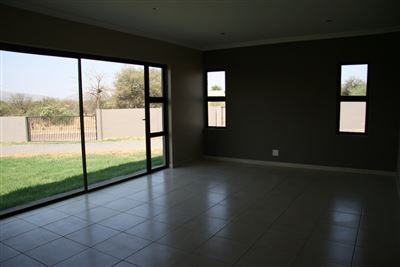 Hartbeespoort property to rent. Ref No: 13539695. Picture no 4