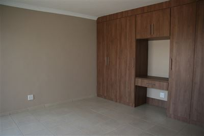 Hartbeespoort property to rent. Ref No: 13539695. Picture no 12