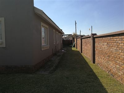Dalpark property to rent. Ref No: 13539202. Picture no 27