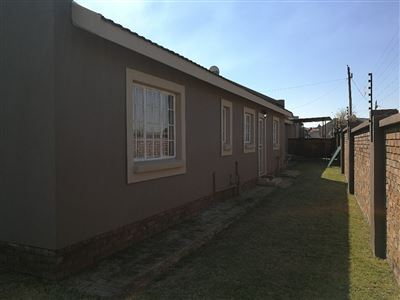 Dalpark property to rent. Ref No: 13539202. Picture no 28