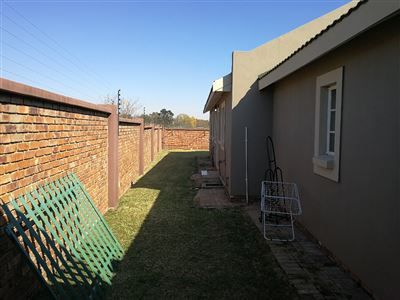 Dalpark property to rent. Ref No: 13539202. Picture no 29