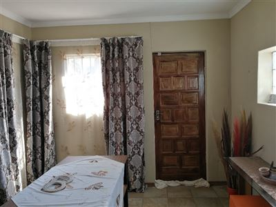 Dalpark property to rent. Ref No: 13539202. Picture no 7