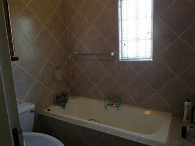 Dalpark property to rent. Ref No: 13539202. Picture no 11