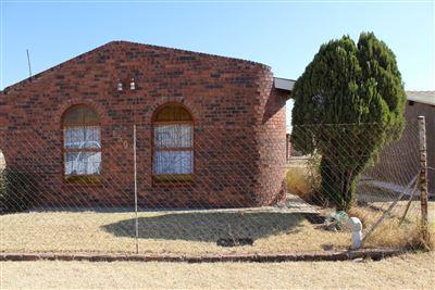 Bloemfontein, Botshabelo Property  | Houses For Sale Botshabelo, Botshabelo, House 3 bedrooms property for sale Price:260,000