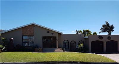House for sale in Oakglen